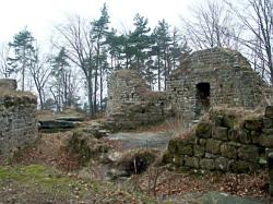 Zbirohy - stěna paláce
